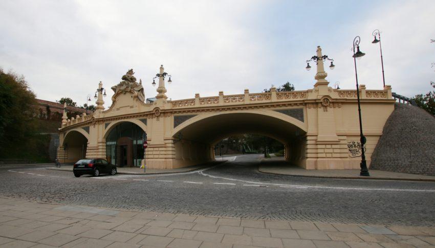 Most na ul. Karowej