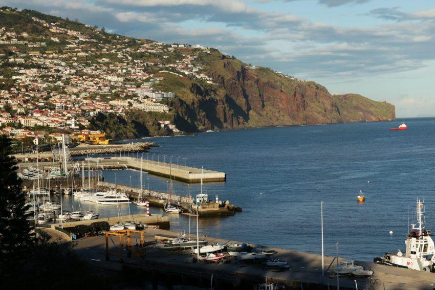 Widok na Funchal z parku Santa Catarina