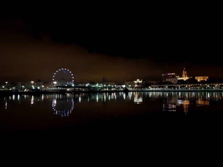 Widok na miasto z portu
