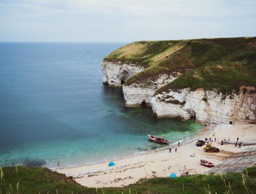 Widok na plaże we Flamborough - North Landing