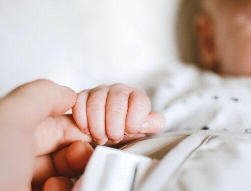 akt urodzenia dziecka uk